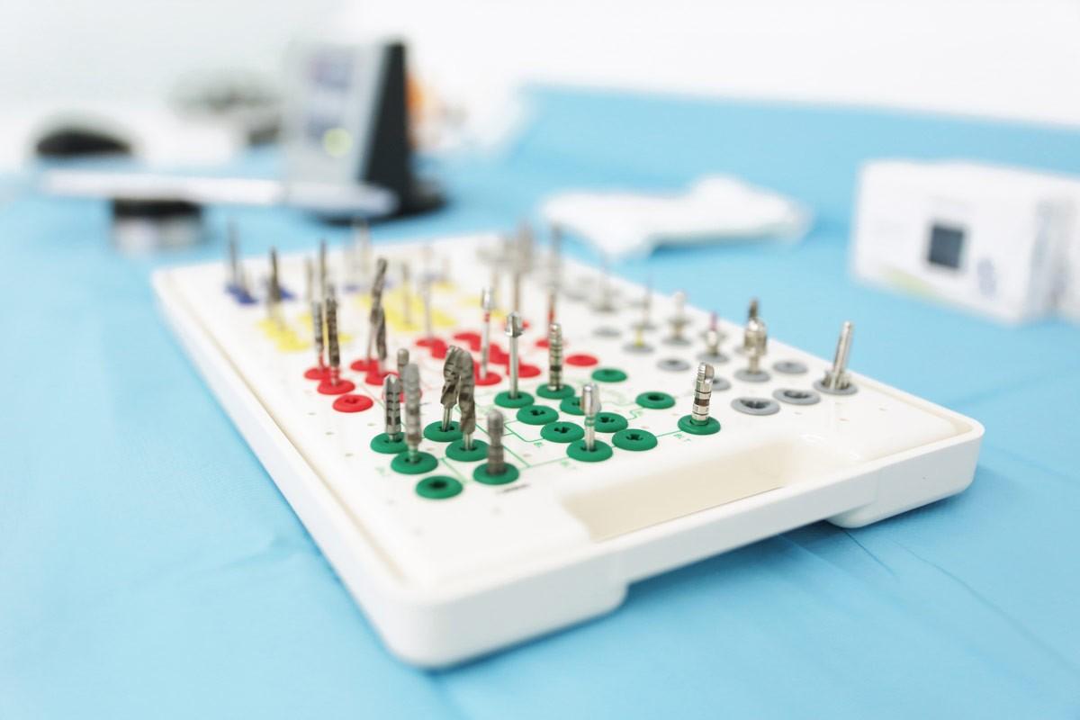 Implantes dentales precio - Clínica Dental Ruiz de Gopegui